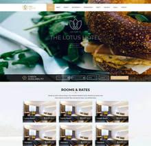 html5大气英文旅游度假酒店预订网站模板